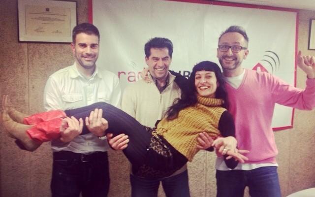 A las 23h estos chicos tan majos me entrevistan entera en #sobreviviendoamurphy de Radio Rubí ;))