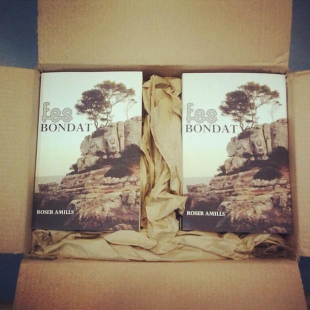 Novela Sé buena de Roser Amills en la libreria Serret