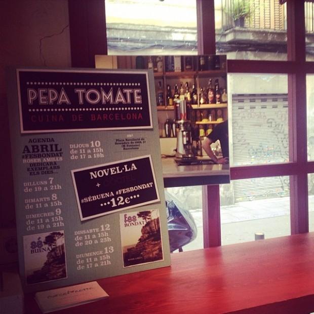 Novela Sé buena de Roser Amills en el bar Pepa Tomate