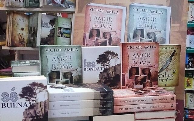 Tot llest per signar llibres a @serretllibres #Valderrobres !! #fesbondat #amorcontraroma