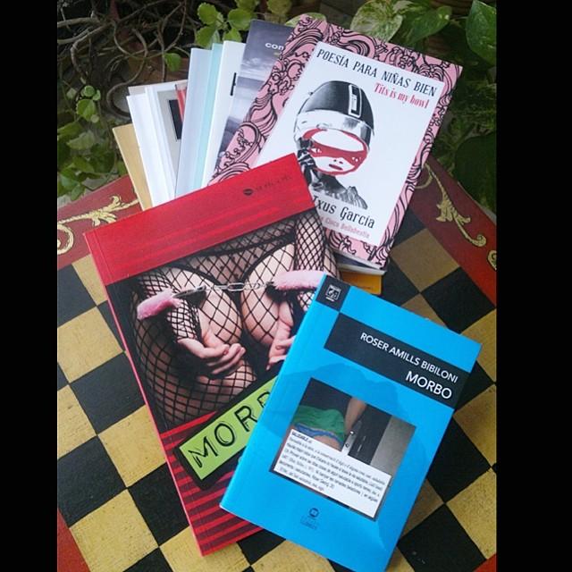 Un honor que Sonia Serrabao tenga las dos ediciones de #morbo junto al libro de @txusgarcia !!