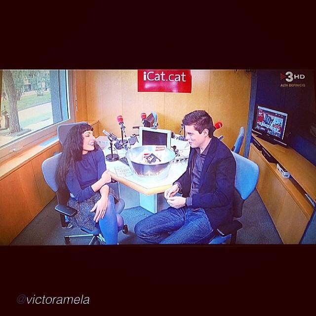 "by @victoramela ""Pau Garcia Milà se asesora con Roser Amills para @TenimUnPlaTV3, desde Catalunya Ràdio #peusek"""