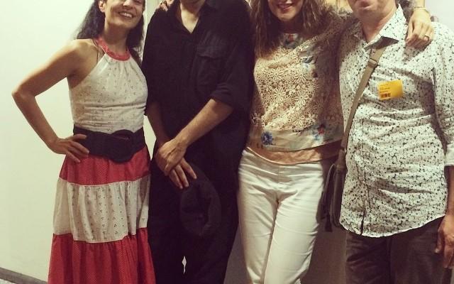 Ja hi som!!!! A #miliunanits amb #ricardmas, #JesúsGaldon i #mariadelapaujaner ;))