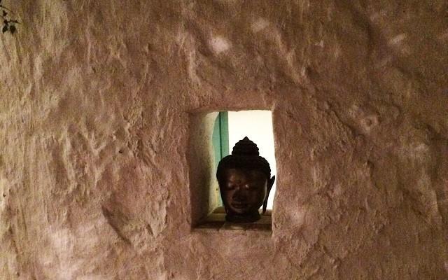El buda que medita en Gràcia