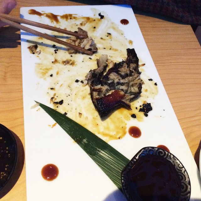 """El bacalao negro """"famoso"""" de este local… Sabe a nugget de pollo… #decepcion #localpretencioso ;))"""