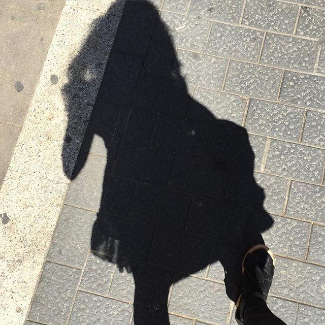Sombra aquí, sombra allá :))
