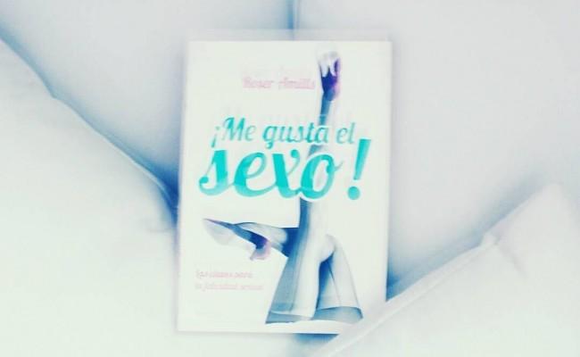 "#Repost @lasfvintage ・・・ ""Póngame un vermut con mucho sexo y una aceituna."" Feliz vermut muchachada! #vermut #horadelvermut #aceituna #megustaelsexo #roseramills #llibre #barcelona #sexy #provocador #felicidadsexual #vermutysexo #lasfrikivintage #lacalôrpelà"