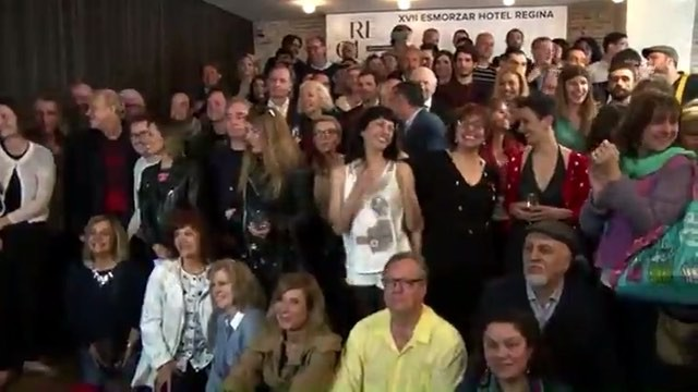 Aquí tenéis vídeo de la foto de grupo del desayuno de autores del Hotel Regina
