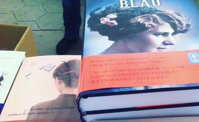 Al lado de la excelente @care_santos La bachillera. Una novela protagonizada por una lectora apasionada