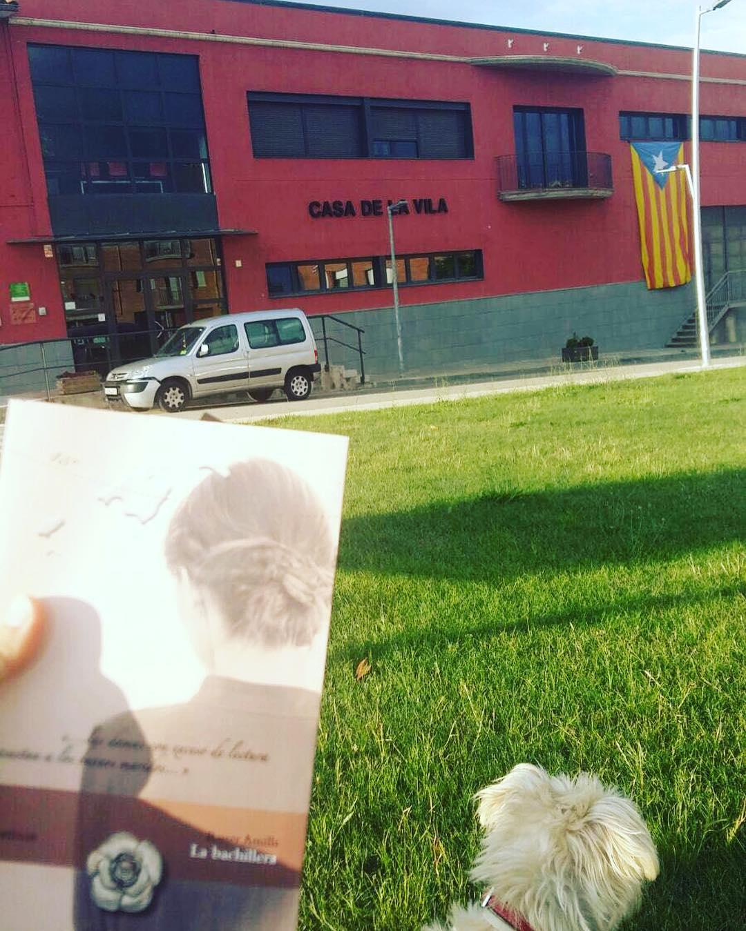 Los nuevos lectores de #labachillera me ponen las pilas: sigo escribiendo la próxima!! #mallorca @ifbeditors !!! #mallorquina #algaida #llibres #libro #books #bookshop #libreria #llibreria #bestseller #leermola #leeressexy #lecturas #booklover #bookstagram #cultura #regalalibros #regalallibres #novela #sigloXIX #sigloXVIII