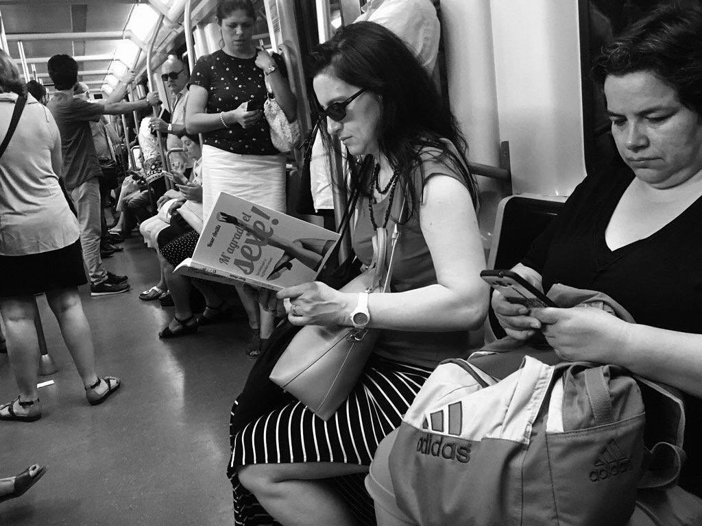 Mil gràcies @ganyet per aquesta foto de #magradaelsexe al metro!!