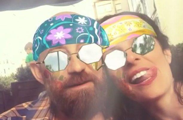 Somos hippies divertidos!! Marco :)) Directora del vídeo, Lidia Guevara