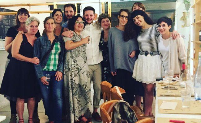 Foto de grup per celebrar èxit éxito de #eldiaquevamorirdavidbowie a @idobalear