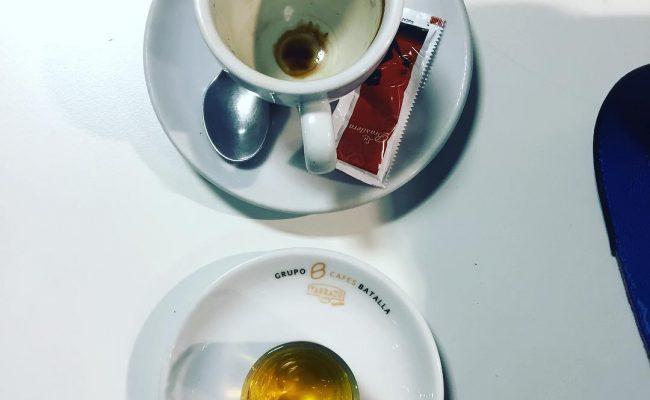 A veces la cafeína sola no apetece tanto tanto #coffee #addict #caffeine