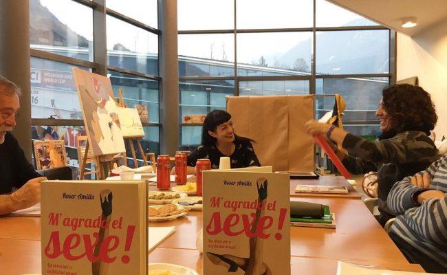 Agraïment a la Rosa Mujal, meravellosa responsable taller #literaturaerotica a La Capsa @comudelamassana @ordinoesviu