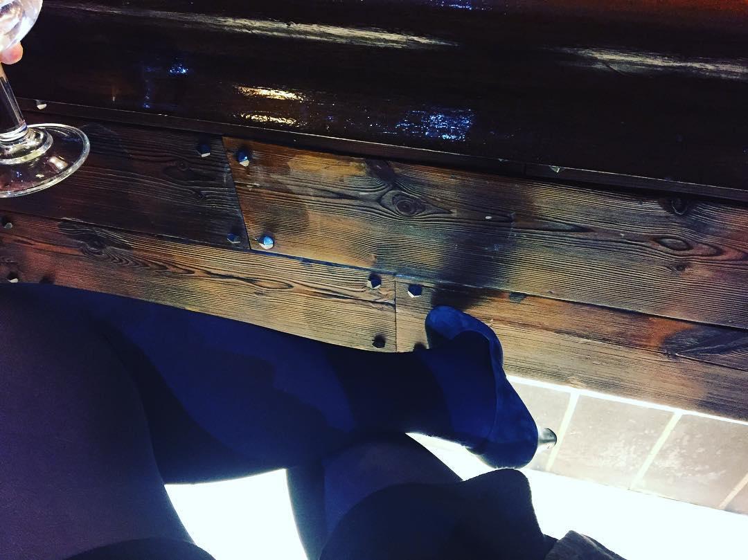 """""""Una mentira puede viajar por medio mundo mientras la verdad está poniéndose los zapatos"""" Mark Twain"""