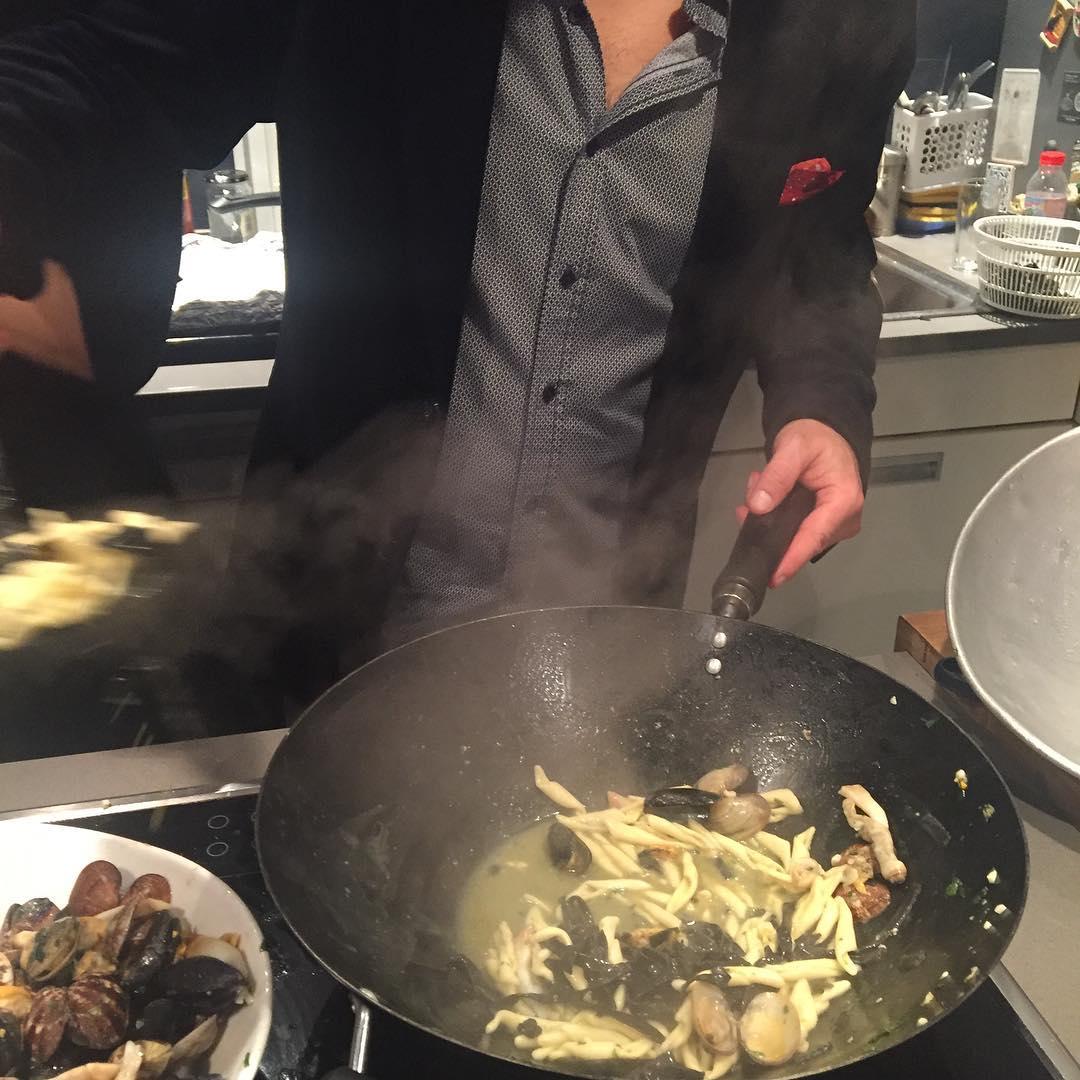 Mi #macho cocinando ;))