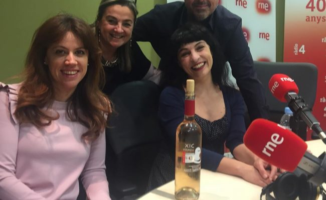 Connecteu-vos ara a Ràdio4, som ja en directe a @anemdetarda #anemdetarda #radio4 #radio