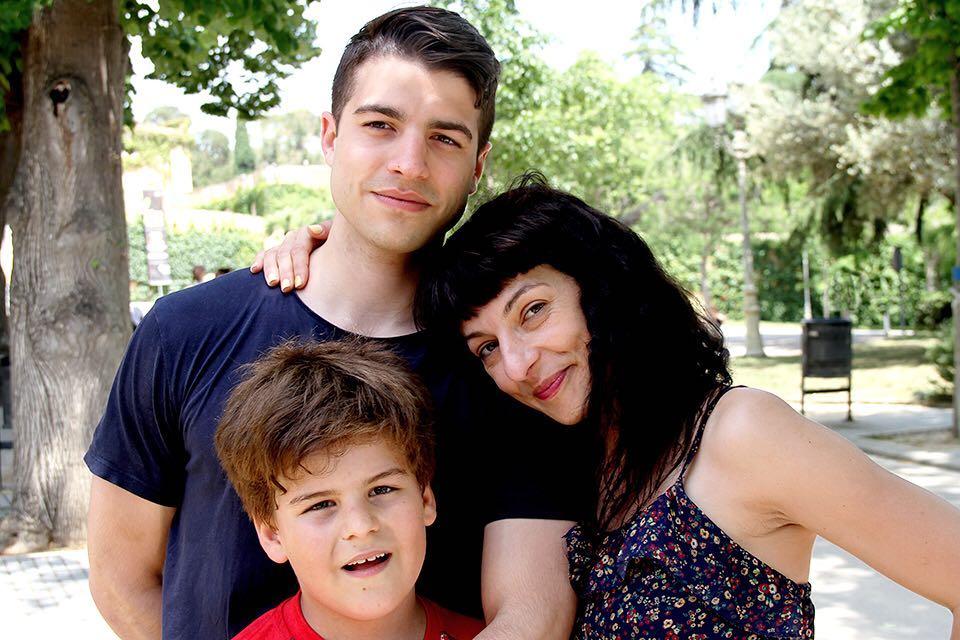 Adororable foto de @kritobcn01 con mis dos hijos, Marcel y Joan 💕
