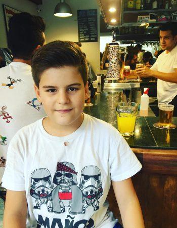 A Juan le han cortado el pelo así de bien en @the_barberist :))