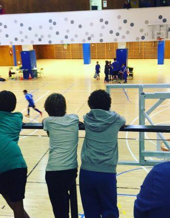 Mi peque no juega hoy, pero aquí estamos para apoyar a su equipo! 💪😍#deportividad #compañerismo