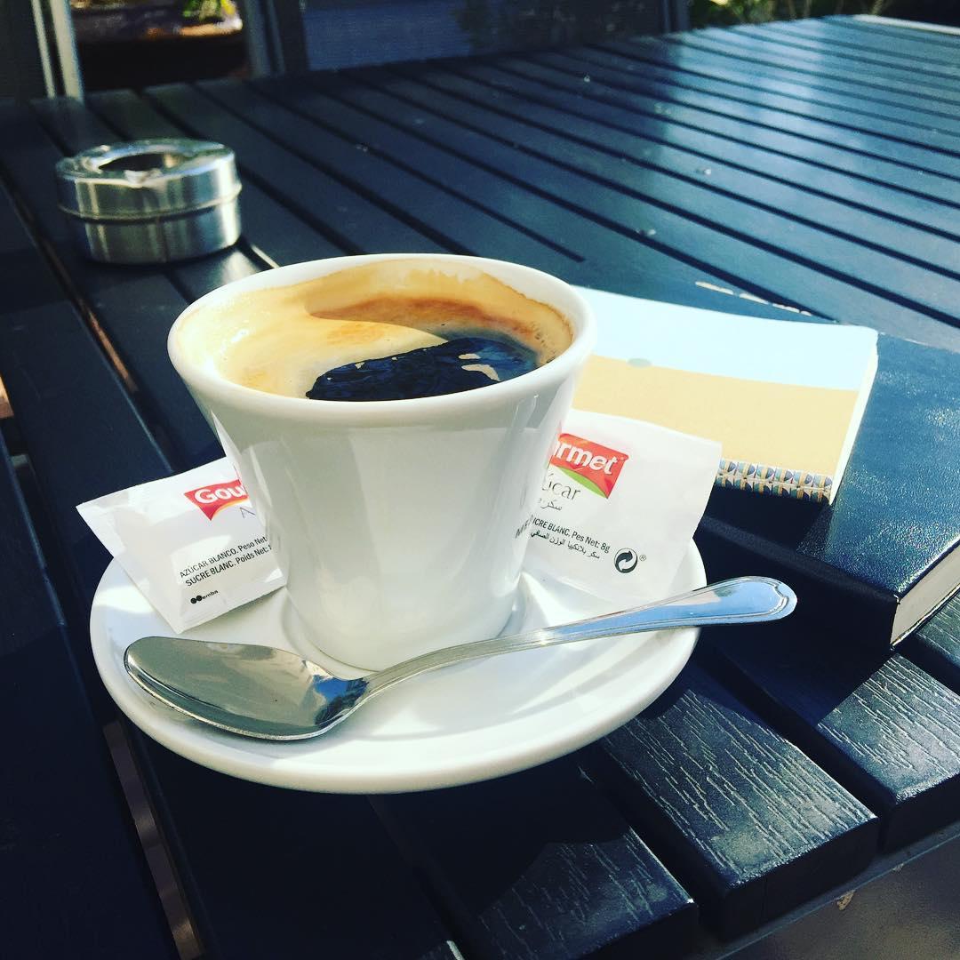 """""""Los libros hermosos están escritos en una especie de lengua extranjera"""" Proust, Contre Sainte–Beuve #bondia #buenosdias"""