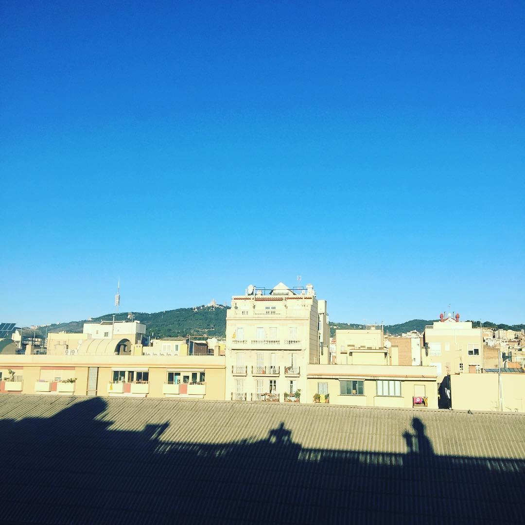 Bon dia! Aquesta tarda seré a Reus amb #asjalacis a la #galateallibres 📚