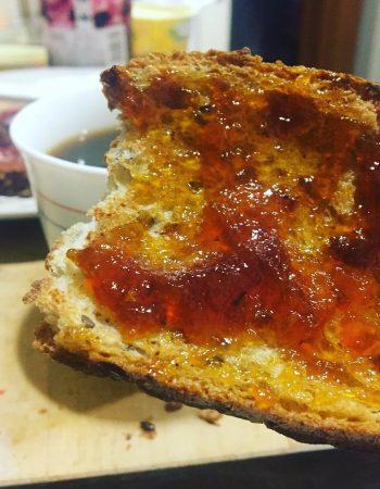 Mermelada casera 100% y #kilometrozero de verdad verdadera, fruta recogida a mano en su maduración ideal etc. Insuperable ;))