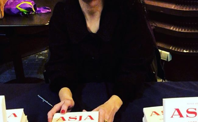Muy buenos días! Este mes vuelvo a estar de gira con #asjalacis ;)) Firmas de #libros 📚🌹 #Asja #asjalacis 💕 #walterbenjamin 📚 #comanegra #mallorquina #algaida #llibres #libro #books #bookshop #libreria #llibreria #bestseller #leermola #leeressexy #lecturas #booklover #bookstagram #cultura #regalalibros #regalallibres #novela #guerramundial #revolucionrusa