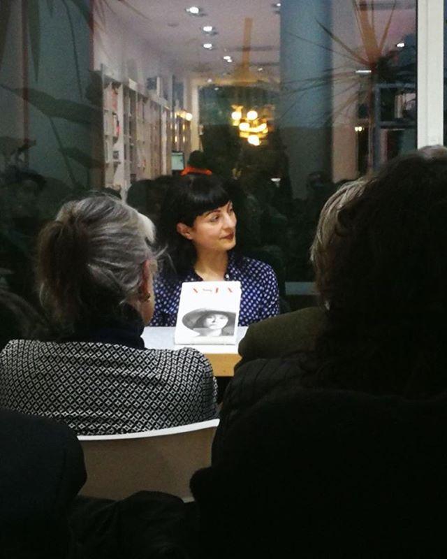 Gracias @petitdesastre por esta foto de la presentación de hoy de #asjalacis con #jeanpierrebonnel en Llibreria Jaimes ;))