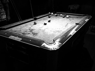 """""""Hay seis millones de jugadas posibles en una partida de billar"""" #AlbertEinstein"""