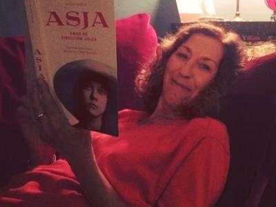Dos mujeres a las que admiro, juntas!!! Anna Vallès lee #asjalacis y me hace muy feliz
