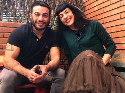 Atentos: ya tenéis online la entrevista que me ha hecho Miquel Claudi-López  para Livedinner.tv en su web ;)) [con mi falda preferida de Ottovanrhuskbcn]