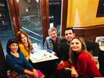 No es fiesta, es reunión de trabajo: jefe Goyo Prados y parte del equipo de colaboradores Radio4_rne #son4diesR4 ;))