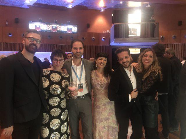 Gala de los Premios Ondas 2019, Roser Amills en el Foyer del Liceu con Las Pepitas BCN y Adria Bas